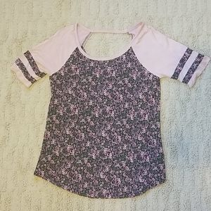 Maurices floral 24/7 tee small
